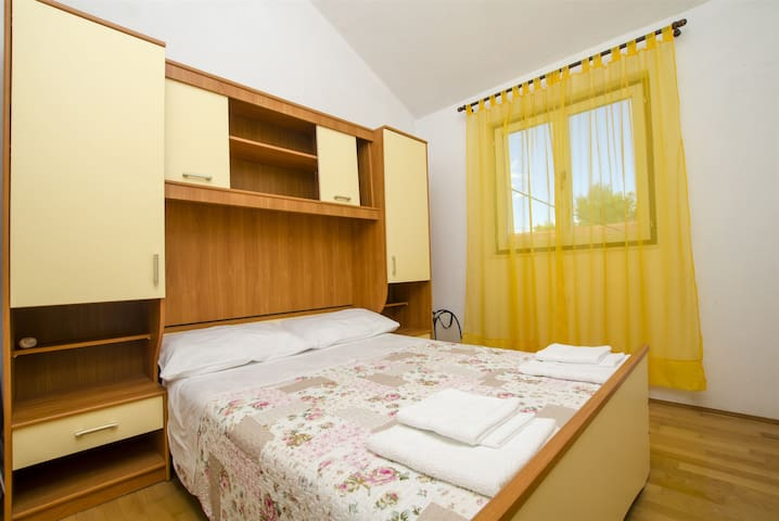 Two Bedroom Apartment, 200m from city center, seaside in Maslinica