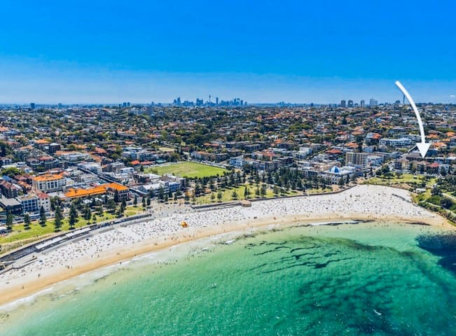 Apartment directly on Coogee Beach