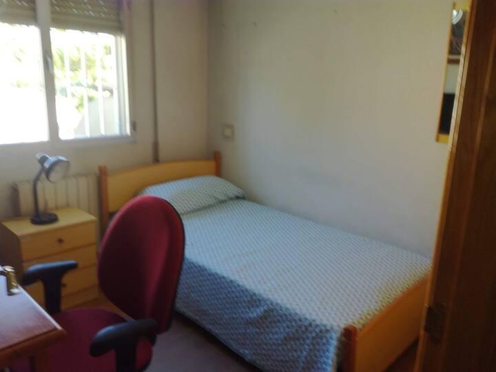 Habitación individual con cama 105