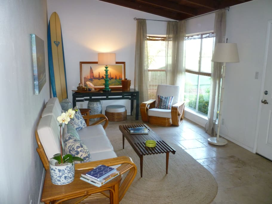 Large living spaces, light and bright, beach feel