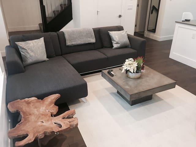 Modern New 3BDR TownHome - Surrey - Complexo de Casas