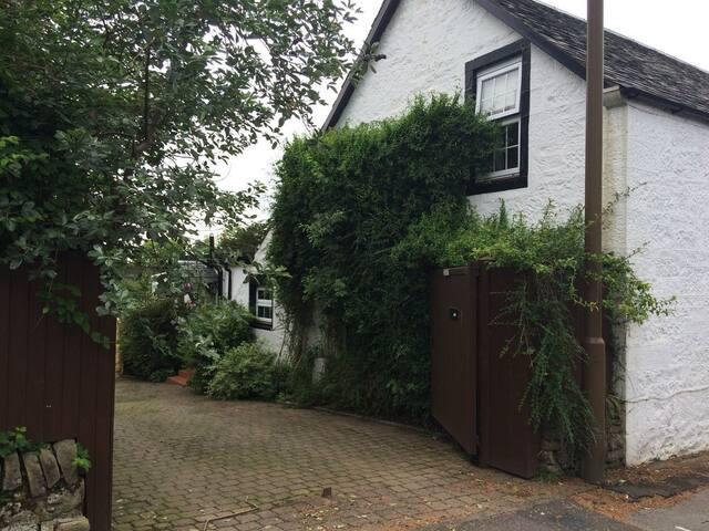 Unique 18th century cottage near Loch Lomond