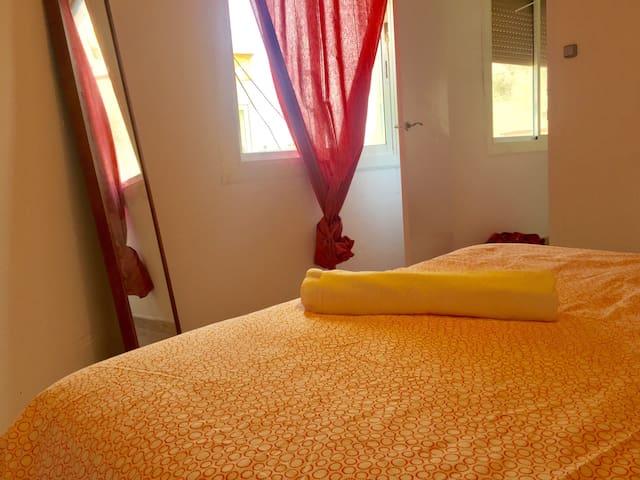 BIG APARTMENT NEXT METRO ST. L5, CAMP NOU 10´! 41M - Hospitalet de Llobregat - Apartemen