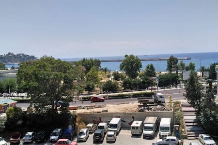 Sunny house at the center of Kavala - Apartmen