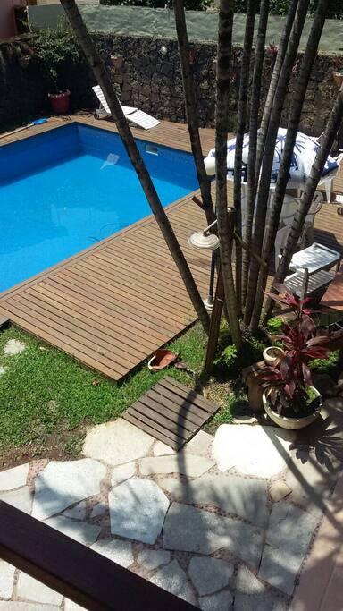 piscina só p hóspedes
