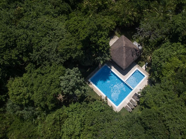 Charming lovely private villa close to the beach
