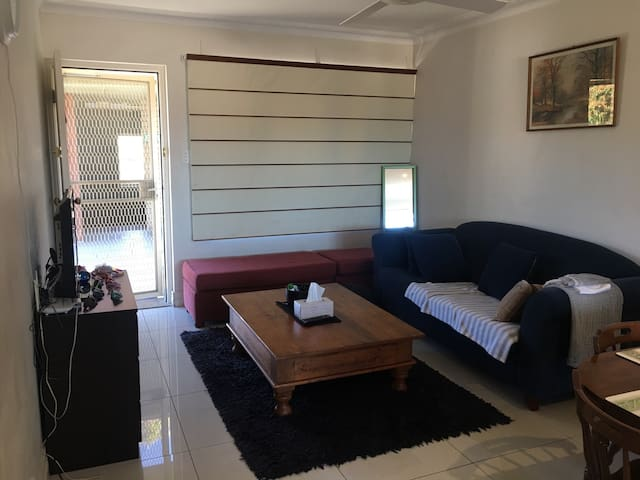 Queen Bedroom in 2BR unit - Brookvale - Appartamento