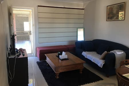 bedroom DB in 2BR Unit - Brookvale - Departamento