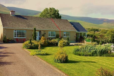 Caherconree on Wild.A.Way to Inch for couples/pets - Castlemaine - Bungalow