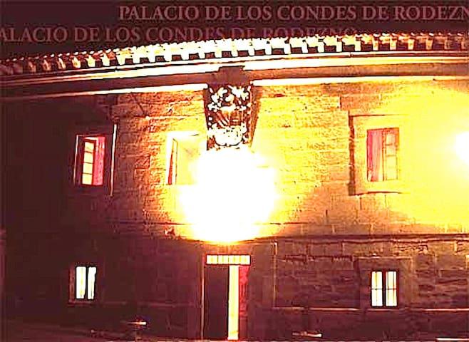 PALACETE S.XVI COMPLETO JARDIN - Ollauri