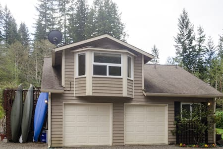 Gated, secure stay on the Olympic Peninsula