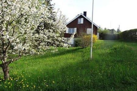 Ferienhaus an idyllischer Lage - Delley-Portalban