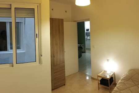 2 cute private rooms whit 1 bed in each one - Mataró - Daire