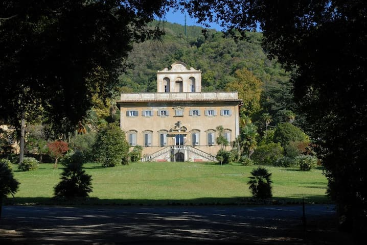 Intrigue and relax in Villa di Corliano