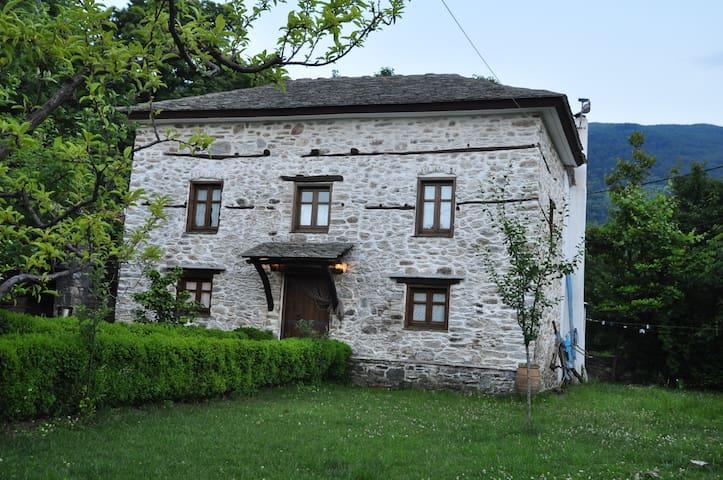 Stonen Garden Villa in Pelion