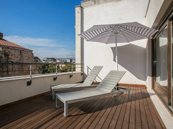 2 bedroom Penthouse with Rooftop Terrace