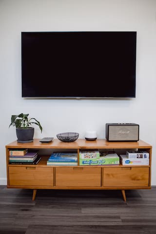 you will find books, puzzles and games in the tv console