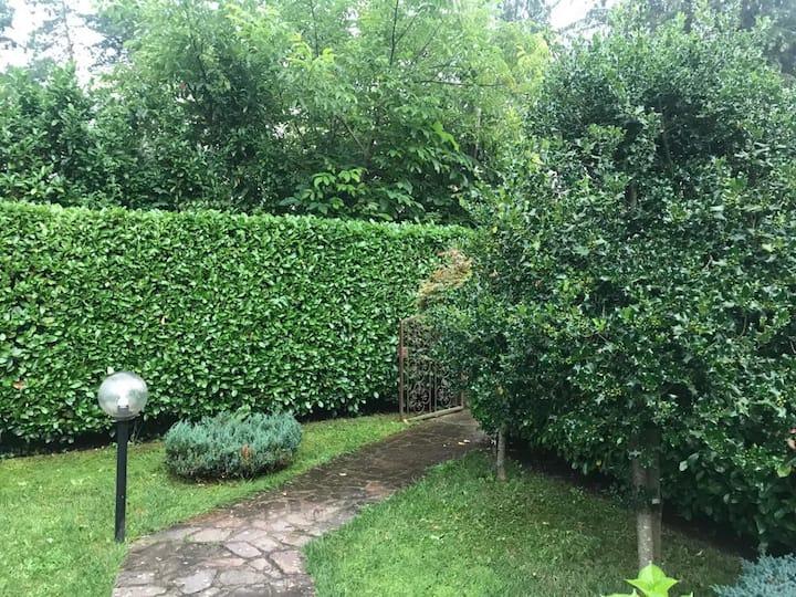 Affitto villetta a schiera due piani con giardino