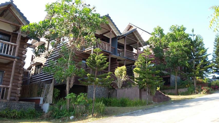 Woodsborough Log Homes, Tagaytay (Apartment/House) - House