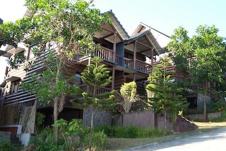 Woodsborough Log Homes, Tagaytay (Apartment/House)