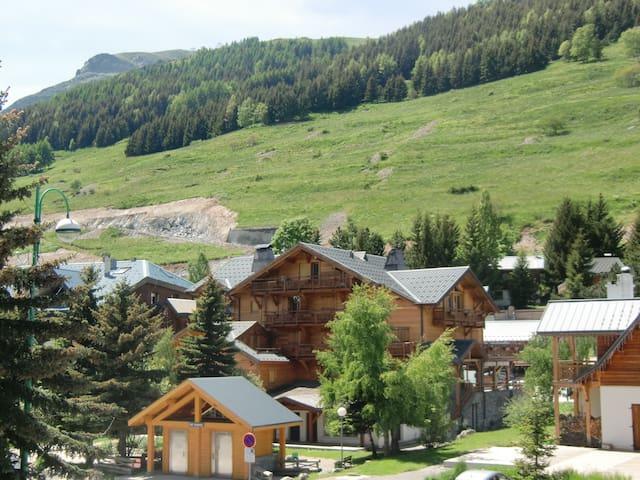 Les 2 Alpes apartment. slopes
