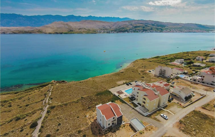 Holiday apartment with 1 bedroom on 53 m² in Pag