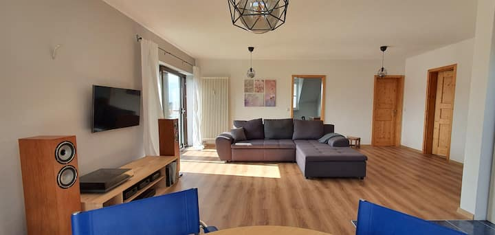 Beautifully renovated apartment close to Fulda