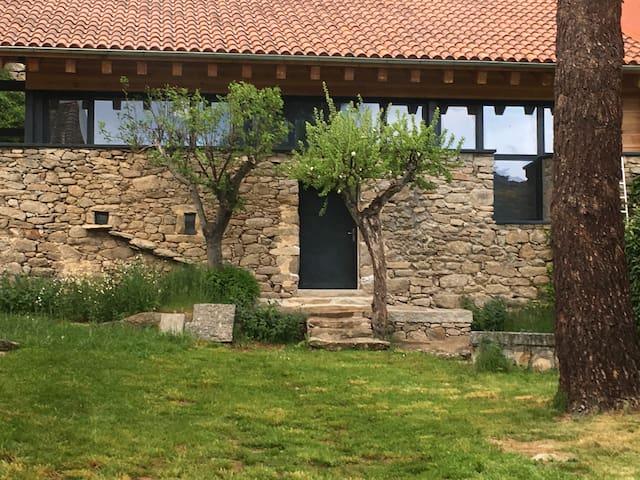 Vivienda con patio cerrado en Sierra de Gredos