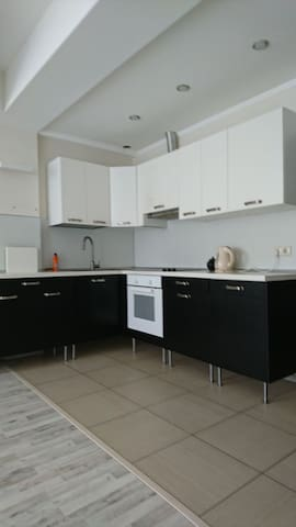 Хорошая квартира 55 м2 рядом Море - Sochi - Appartement