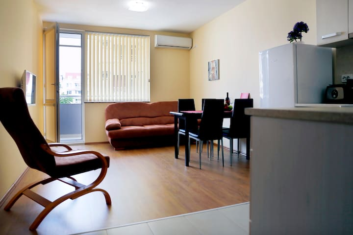 SEA GARDEN APARTMENT - Burgas - Appartement