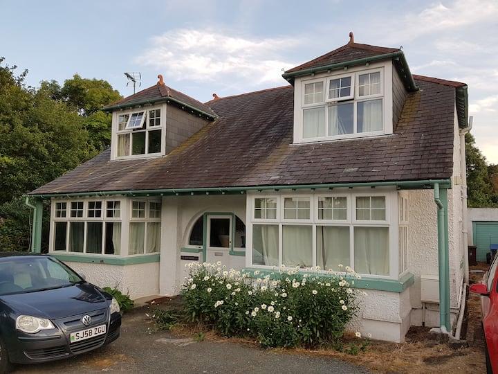 A pretty house in Bangor, Gwynedd