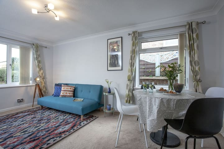 Avalon, Exeter - A comfortable bungalow a few minutes drive a way from the city centre
