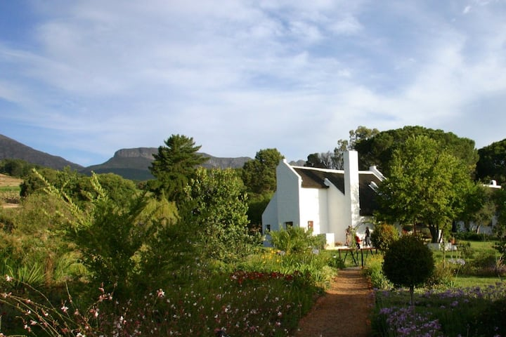 Mooi Bly 2 bedroom thatched  cottage