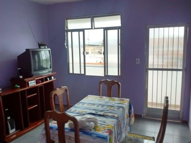 Apartamento mobiliado, 150m da praia em Muriqui