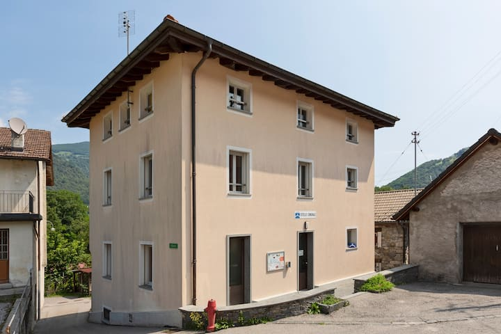 100 valley hostel / Ostello Palagnedra / Ticino