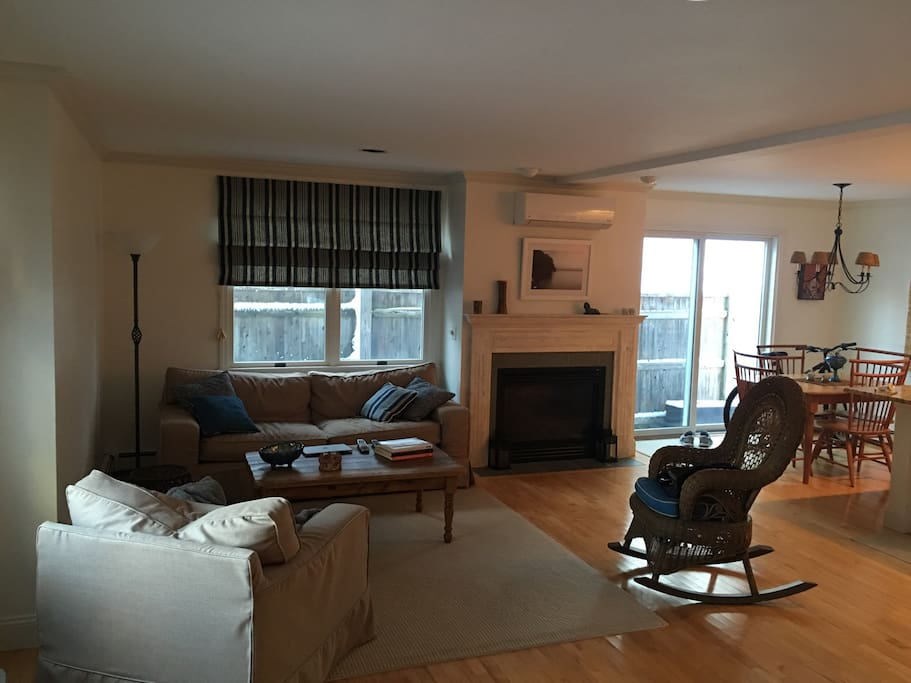 Central air conditioning and gas fireplace