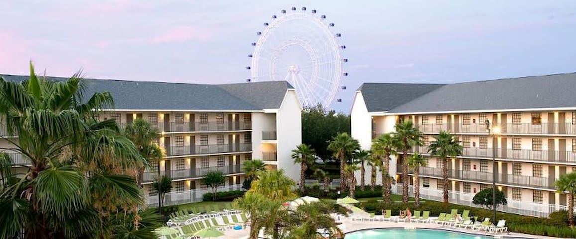 RESORT STYLE UNIT W/ POOL, FREE SHUTTLE TO PARKS!