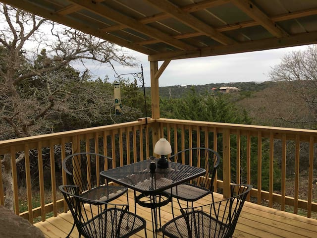 Retreat on the Hill with large pvt.  Master bdrm