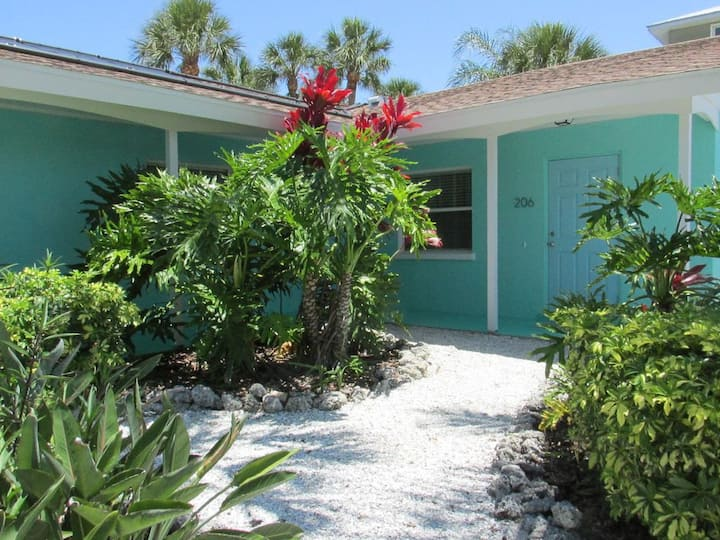TWO BEDROOM** POOL**STEPS TO THE BEACH**UNIT 206