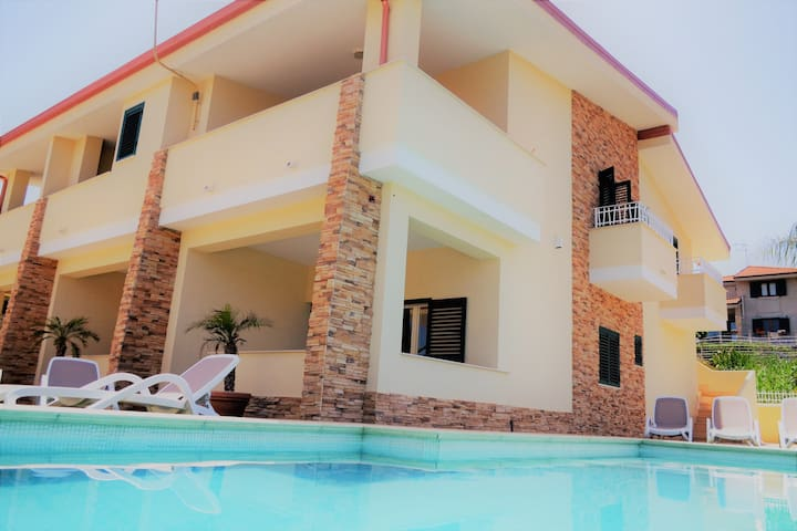 Exclusive apartments with POOL and sea view (11)