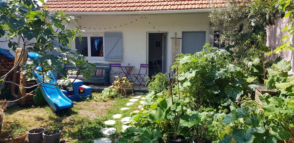 Chambre climatisée sur jardin avec pt déjeuner BIO
