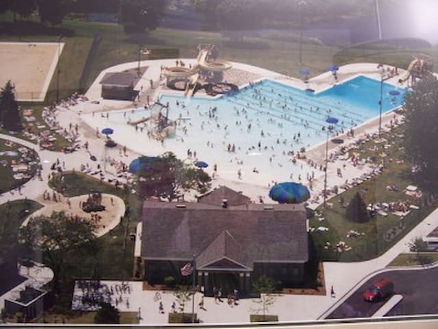 Community Pool open Memorial Day to Labor Day Weekend.  We have beach towels for you to use.