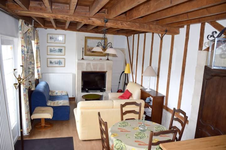 House with 2 bedrooms in Bayeux, with shared pool, enclosed garden and WiFi