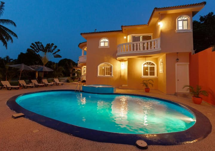Hermosa villa a 5 minutos de la playa  Sosúa