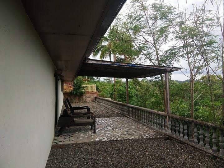 Stunning Vacation Overlooking House