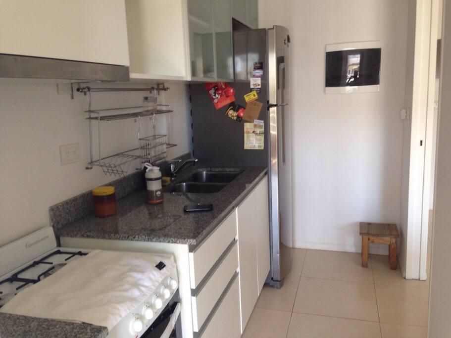 Amplia cocina y lavadero