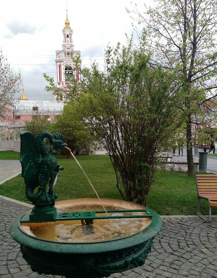 Мифический Василиск из сада им. Баумана