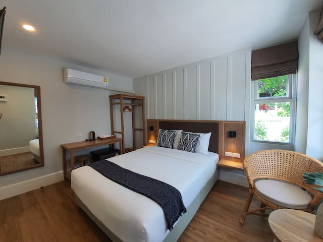 Private Double Bed Room Near Airport (Sirloin)