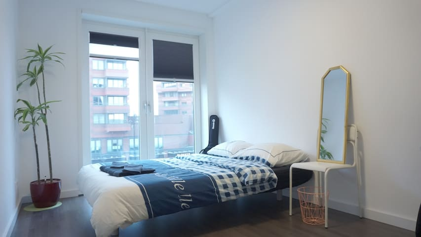 Light apartment with spacious room in Adam-N! - Ámsterdam