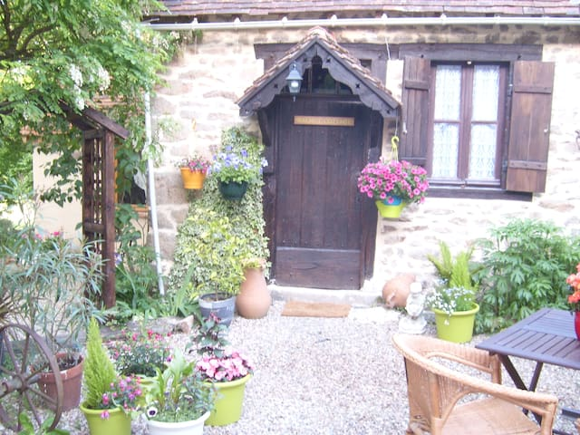 Walnut Cottage - Saint-Sébastien - Casa